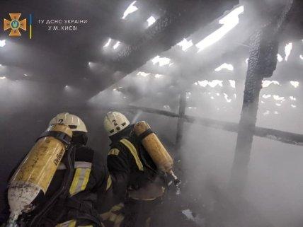 Тушение пожара на крыше на Костельной