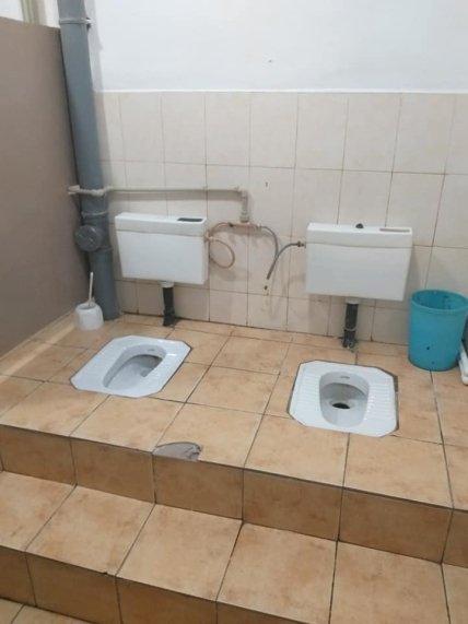 Фото туалету без перегородок