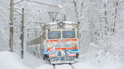 """""""Укрзализныце"""" придется и дальше обслуживать очень убыточные поезда"""