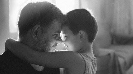 Любовь, не требующая слов: трогательные снимки заботливых пап и их малышей (Фото)