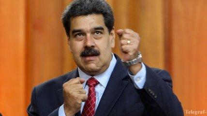 """Привившегося """"Спутником"""" президента Венесуэлы заблокировали в Facebook за ложь о COVID-19"""