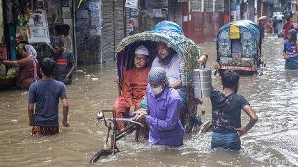 Бангладеш потерпает от наводнений: треть страны ушла под воду
