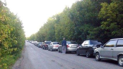 """На КП """"Марьинка"""" в очереди простаивает 400 автомобилей"""