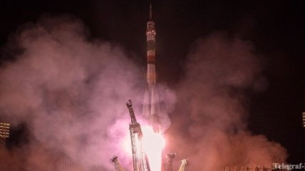 """""""Союз"""" успешно пристыковался к Международной космической станции"""