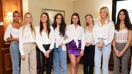 Фото и краткая информация о девушках