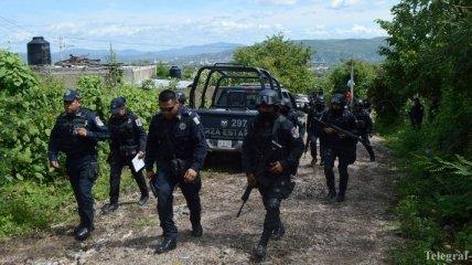 В ходе боя между бандитами и полицией в Мексике погибли 30 человек