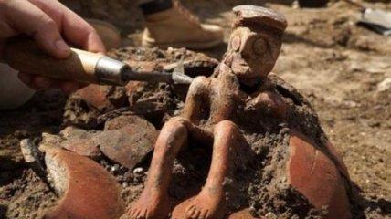 В Израиле при раскопках найден уникальный древний кувшин