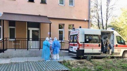 Меньше всего везет молодым пациентам: врач рассказал о медицинской катастрофе в Ужгороде