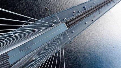 На Южном мосту в Киеве возникла авария с одним из старых деформационных швов