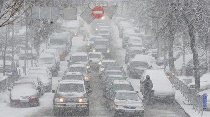 Из-за непогоды грузовикам перекрыли въезд в Днепропетровск