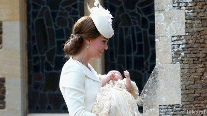 Принцесса Шарлотта получила в подарок картину в $200 тысяч