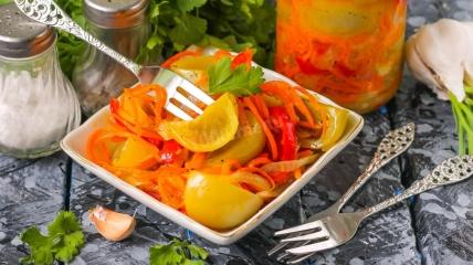 Легкий рецепт салата с зеленых помидор