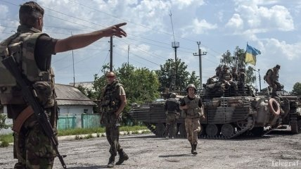 Тымчук: Силы АТО продолжают освобождать н.п. Лутугино, Шахтерск, Торез