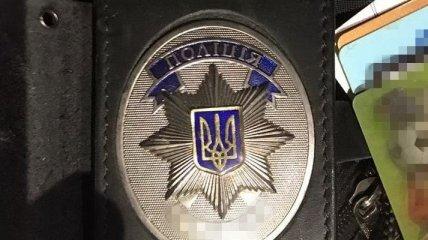 В Житомире киберполицейский вымогал взятку в 5 тыс долларов (Фото)