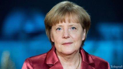 Ангела Меркель: Германия хочет оставить Грецию в еврозоне
