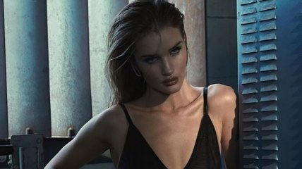 Рози Хантингтон-Уайтли снялась в рекламе для известного бренда (Фото)
