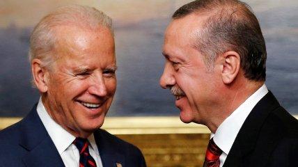 Признание Байденом геноцида армян злит Турцию, но Эрдоган не может дать резкий ответ