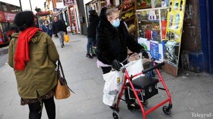 Всех пожилых людей отправят на карантин: Британия готовит радикальные меры