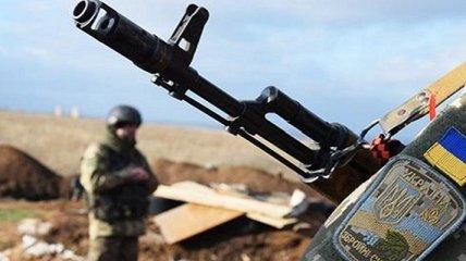 Оккупанты более десятка раз обстреляли позиции ВСУ - два украинских бойца получили ранения