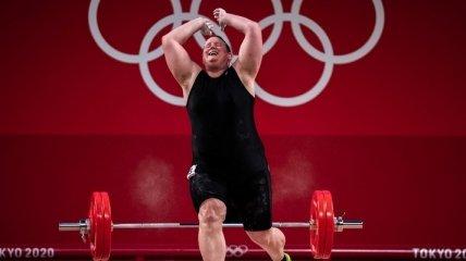 Первая в истории Олимпиады штангистка-трансгендер провалила выступление (видео)