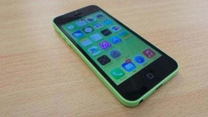 Пластиковый iPhone 5c спас владельца от пулевого ранения