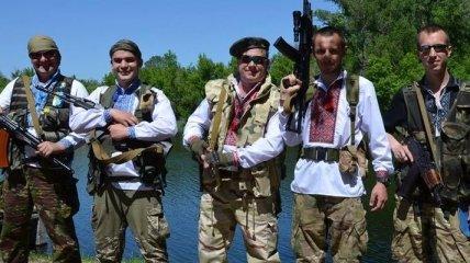Военные в зоне АТО надели вышиванки