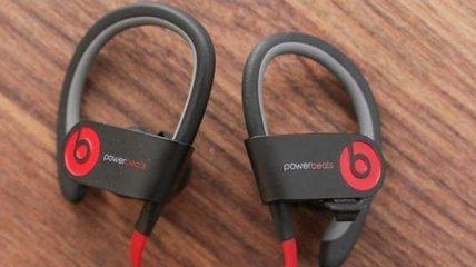 Первые беспроводные внутриканальные наушники от Beats