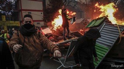 """Протесты """"желтых жилетов"""": Макрон призвал к диалогу"""