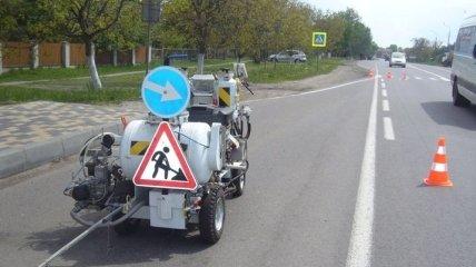 План по ямочному ремонту дорог в Украине выполнен лишь наполовину