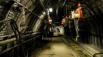Горняки близ Лисичанска требуют погашения долгов по зарплате