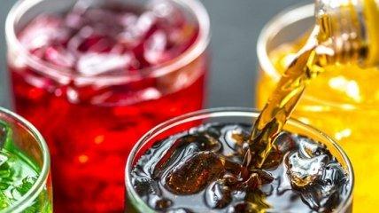 Кола может сделать тест на ковид ложноположительным: ученые рассказали, что еще нельзя пить перед анализом