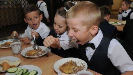 В столовой Львова отравились семь человек, среди которых трое детей