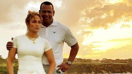 С глаз долой: Дженнифер Лопес удалила все фото и видео с экс-женихом Алексом Родригесом в Instagram