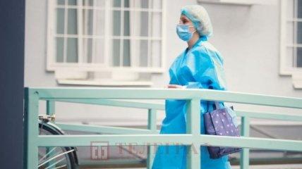 Коронавирус в Украине: госпитализированных почти столько же, сколько и новых случаев заражения