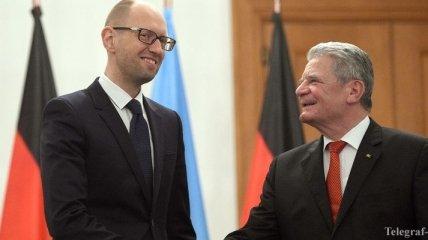 Яценюк обсудил с президентом ФРГ кризис на Донбассе