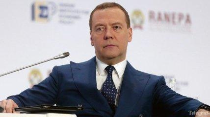 Медведев прокомментировал избирательную кампанию в Украине и инцидент в Азовском море