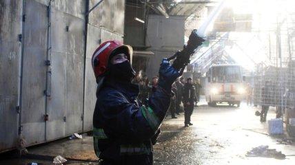 В Хмельницком случился пожар на вещевом рынке (Фото и видео)