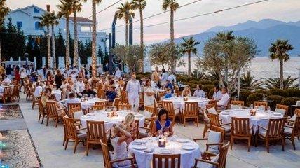 Туристам на замітку: в Чорногорії від гостей ресторанів почали вимагати COVID-сертифікати