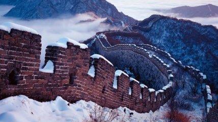 Великая Китайская стена превратилась в гигантскую горку: видео