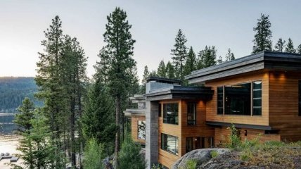 Потрясающее сочетание практичности и стиля: дом у озера с оригинальным интерьером (Фото)