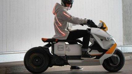 В стиле киберпанк: BMW представила электроскутер будущего (Фото)