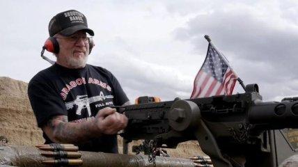 Необычный пенсионер: как живет самый вооруженный человек планеты Мэл Бернштейн