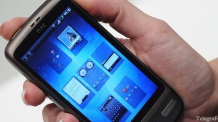 "Выход ""смартфона Facebook"" назначили на 2013 год"