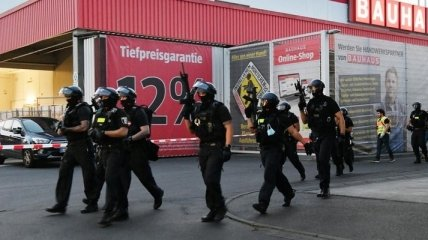 В Берлине произошел конфликт с поножовщиной и пистолетами: 4 человека серьезно ранены