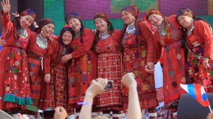 """Бурановская бабушка"" вступилась за Pussy Riot"