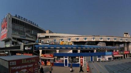 Охранник автовокзала повредил камеру тележурналисту