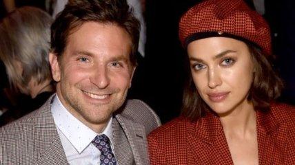 Платье-плащ и берет от Versace: Ирина Шейк пришла к возлюбленному на церемонию