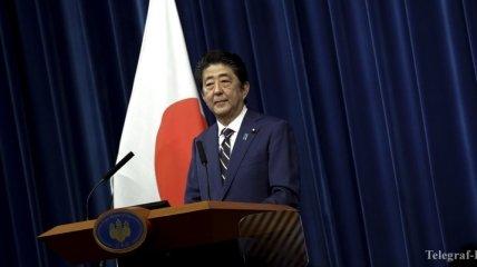 Абэ пообещал не выселять россиян с Курил после возможной передачи островов