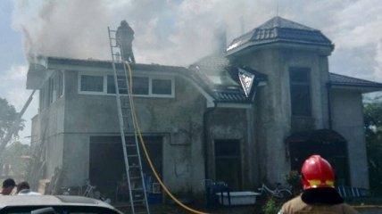 Семье, на чей дом упал самолет Игоря Табанюка, собирают на новое жилье
