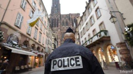 Полиция наконец установила личность нападавшего на парижский комиссариат